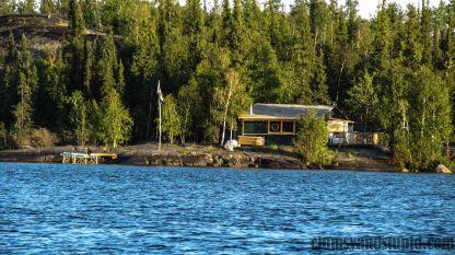 Cabin on a lake/ Domek przy jeziorze